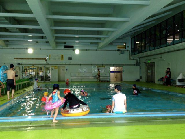 伏見港公園の屋内プール