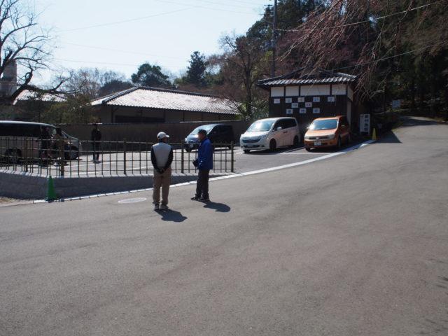法輪寺の駐車台数は20台ほど